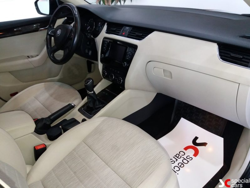 Μεταχειρισμένο Skoda Octavia 2013 full